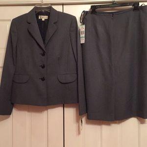 Evan Picone skirt suit NWT